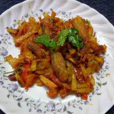 Shutkimacher jhal recipe in Bengali,শুটকিমাছের ঝাল, Sharmila Dalal