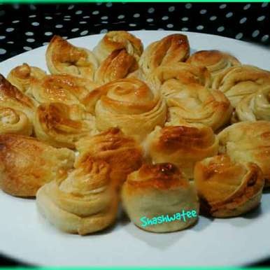 Photo of Flower butter bread by Shashwatee Swagatica at BetterButter