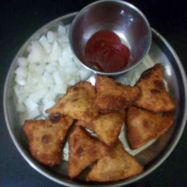 Photo of Onion samosa by sneha gilla at BetterButter