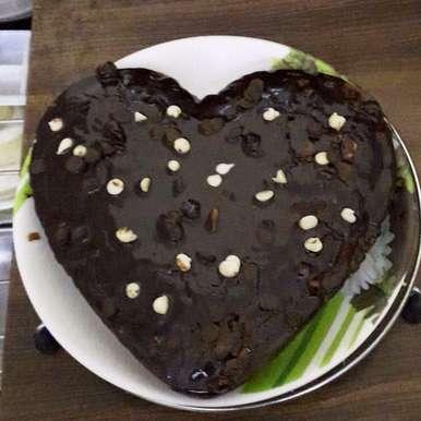 How to make chocolate cake easily at home