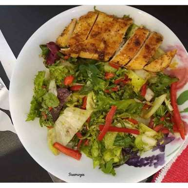 Leafy salad with grilled chicken, How to make Leafy salad with grilled chicken
