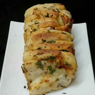 Photo of Garlic and Herb Pull Apart Bread by Subashini Murali at BetterButter