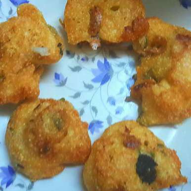 Photo of Urad dal vadas by Sucheta Bos at BetterButter