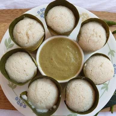Photo of Panasa Aku Idli and Ulli Chutney- Idlis steamed in Jackfruit Leaf with Onion chutney by Sujatha Ratnala at BetterButter