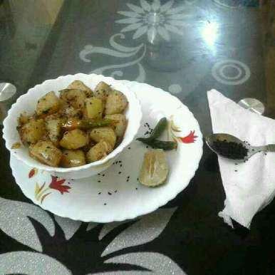 Photo of White potato curry with black pepper by Sunanda Jash at BetterButter