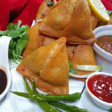 Photo of Halwaai style Aloo Samosa. by Swapna Sunil at BetterButter