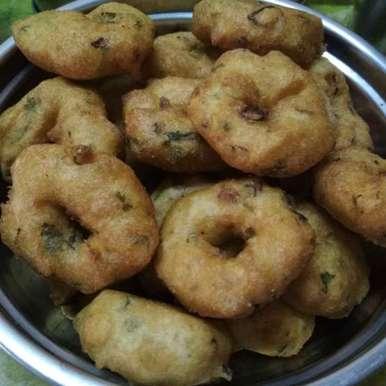 Photo of Medhu vadai by Swarna Vijayakumaar at BetterButter