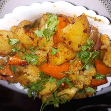 Photo of Mixed vegetable masala curry by Swaroop J. Santhi Jagarlapudi at BetterButter