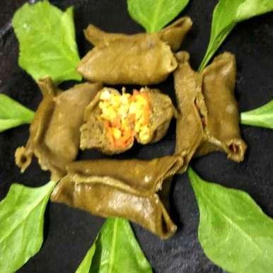 Spinach pouch momos recipe in Telugu,పాలకూర ప్యాకెట్ మోమోస్, Divya Konduri