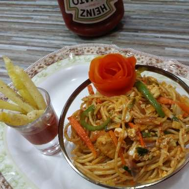 Photo of Indo-chinese noodles with crispy fries by Tasneem hozefa at BetterButter