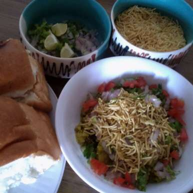 Photo of Maharashtrian Misal Pav by Tikuli Dogra at BetterButter