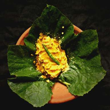 Kumro Pataye Ilish Paturi (Hilsa cooked in Pumpkin Leaf), How to make Kumro Pataye Ilish Paturi (Hilsa cooked in Pumpkin Leaf)