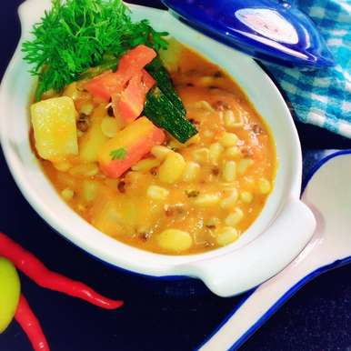 Photo of Sprouted soya grains and vegetable soup by uzma shouab at BetterButter