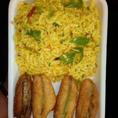 Beatrice vaggani green chilli bajjil recipe in Telugu,బోరుగుల వగ్గని మిర్చి బజ్జిలు, Vandhana Pathuri