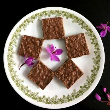 Photo of CHOCOLATE CRUNCH BARS (2-ingredients) by Vanitha Bhat at BetterButter