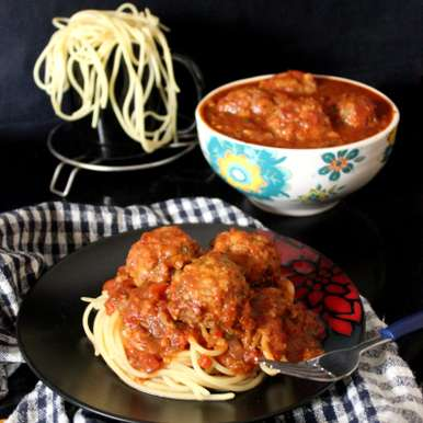 Photo of Spaghetti and Chicken Meatballs by Winola Peris at BetterButter