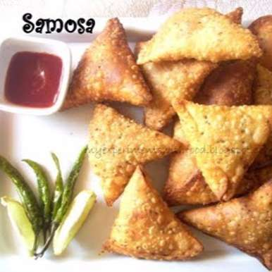 Photo of Crispy and Crunchy Vegetable Samosa / Vegetable stuffed Pastry by Zareena Siraj at BetterButter