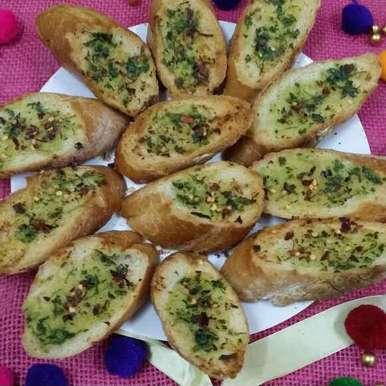 Photo of Garlic Bread by Zeenath Muhammad Amaanullah at BetterButter