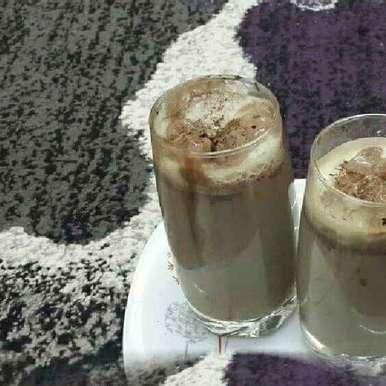 Photo of Creamy Chocolate Milkshake by Zeenath Muhammad Amaanullah at BetterButter