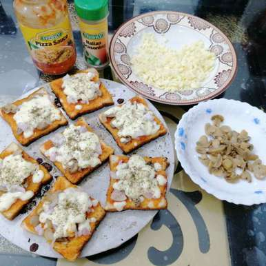 Photo of Tawa Mushroom Bread Pizza.. by Zeenath Muhammad Amaanullah at BetterButter