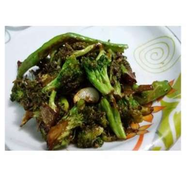 Photo of Broccoli Stir Fry by Zinath Hussain at BetterButter