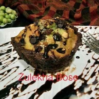 Choco and peas double layer cup cake recipe in Hindi,चौको एंड पीस डबल लेयर कप केक/ चॉकलेट और मटर डबल परत कप केक, Zulekha Bose